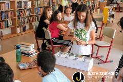 A Vörösmarty iskola 5/a és 6/a osztályosai a gyermekkönyvtárban - 2021. június 8.